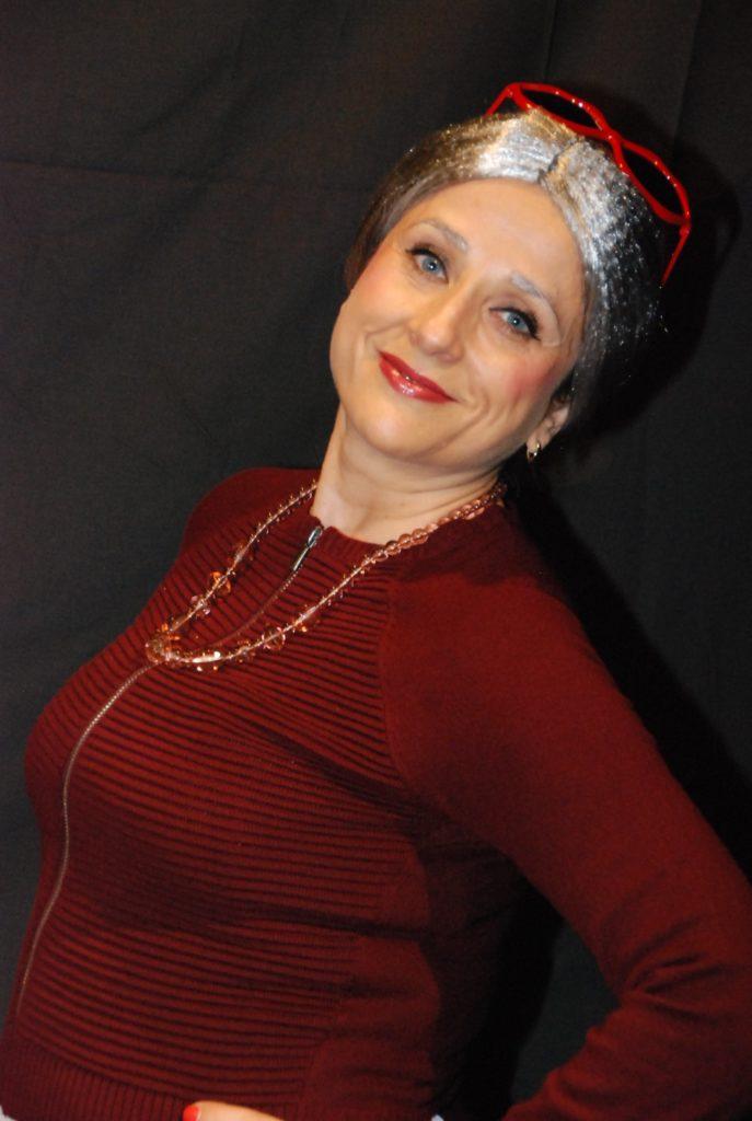 GRAZIELLA, vecchietta col deambulatore (Michela Randi)